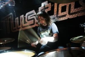 mus drummer