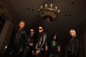 Velvet Revolver band pic 2