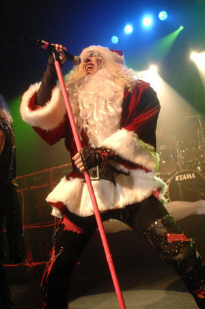 Twisted Sister Christmas.Twisted Christmas 2009 Promo Video Video By Twisted Sister