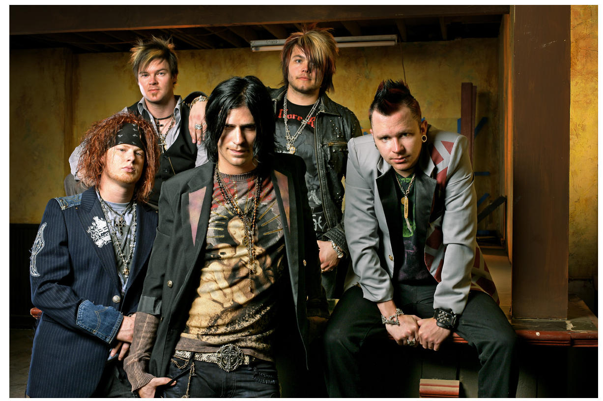 http://hardrockhideout.files.wordpress.com/2008/11/hinder.png