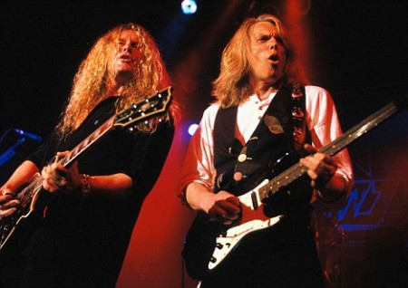 Thin Lizzy, group. John Sykes (L), Scott Gorham (R). free from D