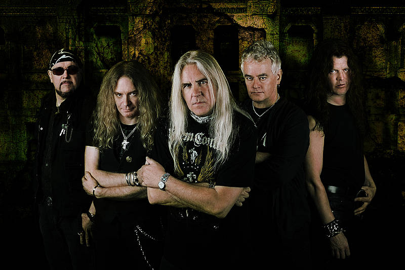 http://hardrockhideout.files.wordpress.com/2009/06/saxon.jpg